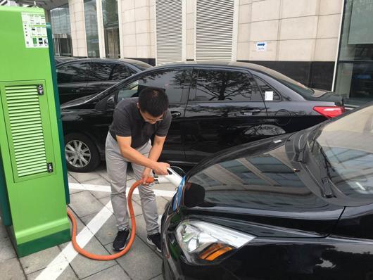 截至6月底,我国新能源汽车销量17万辆,同比增长127%,公司及各社会运营
